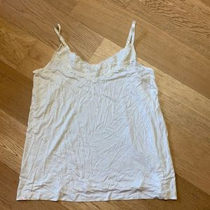 2/10$ George cream camisole with lace size 1X